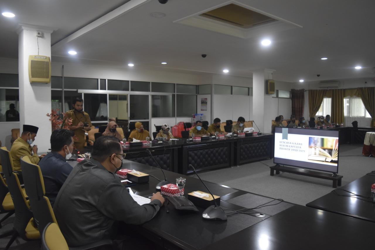 Bapemperda bahas  6 Rencana Kajian Hukum Raperda Inisiatif DPRD 2021